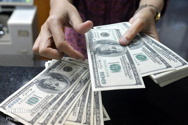 قیمت دلار آمریکا ۴ اردیبهشت ۱۴۰۰ ثابت ماند