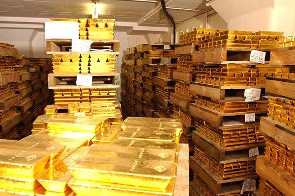 لهستان 10 تن طلا از بانک مرکزی انگلیس بیرون میکشد
