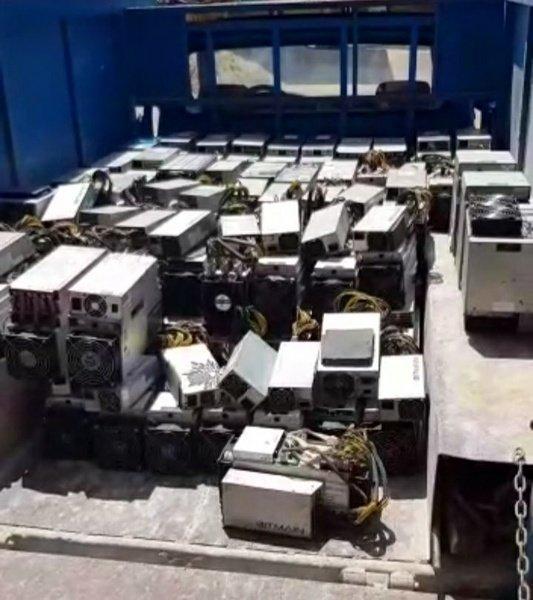 کشف ۸۱ دستگاه تولید رمز ارز غیرمجاز در کارخانه ساخت کپسولهای اکسیژن